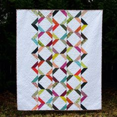 It is rare that I remake a pattern, there are so many new quilt designs on my to-do list, but I had so much fun making a second version Arr...
