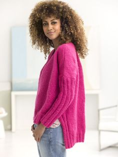 Knit this chic v-neck pullover with Vanna's Complement! Free knit pattern calls for 6-7 balls of yarn (pictured in berrylicious) and sizes 8 (5mm) and 9 (5.5mm) knitting needles
