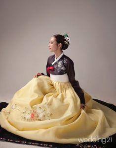 [한복] 님 기다리는 밤, 치마폭에 꽃 한 송이 피었네, 황희우리옷 < 웨딩뉴스 < 월간웨딩21 웨프