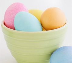 Easter Egg Decorating Ideas & Natural Food Dye Tips