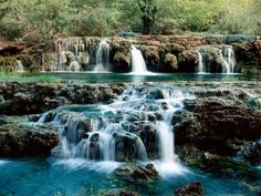 Top Dreamer today make a special collection of 40 amazing and beautiful photos from our mother nature. Nature is a place where are happen amazing actions Waterfall Scenery, Waterfall Photo, Natural Waterfalls, Beautiful Waterfalls, Beautiful World, Beautiful Places, Waterfall Wallpaper, Photo Grid, Les Cascades