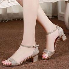 Giày gót vuông đế viền vàng cao cấp