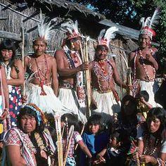 Trajes típicos de Oaraguay, indios Maca