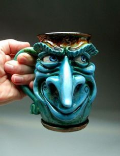 Grafton maintains a studio in Panama City, Florida where he makes unique works of pottery with faces and animals. Description from neatorama.com. I searched for this on bing.com/images