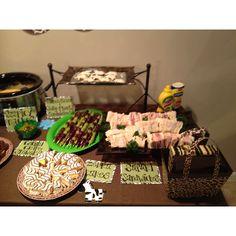 "zebra cakes (Hostess or Little Debbie) and PBJ sandwiches (elephant shaped--""jelly-phant"") Jungle Party Snacks, Safari Theme Party, Jungle Theme, Lion King Baby Shower, Baby Boy Shower, Animal Themed Food, Chelsea Baby, Baby Shower Themes, Shower Ideas"