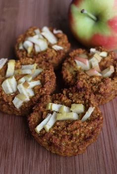 Paleo Apfel-Kürbis-Zimt-Muffins/ Paleo Pumpkin-Apple-Cinnamon-Muffins - a perfect healthy snack for fall or halloween