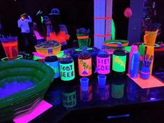 Neon party ideas--- soda labels but cooler! Neon Birthday, 13th Birthday Parties, Sweet 16 Birthday, Birthday Party Themes, 16th Birthday, Birthday Ideas, Diy Neon Party, Glow Party, Spa Party