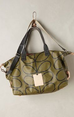 love this stem print weekender bag http://rstyle.me/n/rm67dr9te