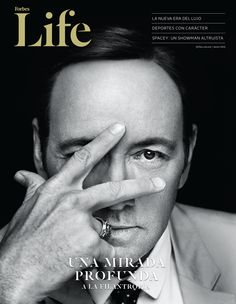 Kevin Spacey by Miller Mobley. Love Kevin Spacey, such a great actor! Kevin Spacey, Kevin Costner, Robin Wright, Frank Underwood, Photo Star, Man Photo, Actrices Hollywood, Celebrity Portraits, Celebrity Photography