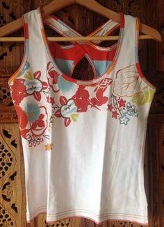 À vendre sur #vintedfrance ! http://www.vinted.fr/mode-femmes/hauts-and-t-shirts-t-shirts/25674287-top-sandwich-m-sans-manches