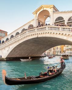 Italy Travel Tips Beautiful Places To Travel, Cool Places To Visit, Places To Go, Italy Tourism, Italy Travel, Italy Magazine, Carnival Of Venice, Top Travel Destinations, Visit Italy
