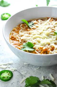 Keto Chicken Chili - 22 Of The Best Quick Keto Dinners. You won't believe how easy and delicious these recipes are. Low Carb recipes that can be made in the crockpot or a skillet. All of these drool-worthy recipes take 30 minutes or less to make. Healthy Dinner Recipes, Healthy Snacks, Healthy Eating, Dessert Recipes, Breakfast Recipes, Healthy Fats, Vegetarian Recipes, Keto Chicken, Chicken Chili