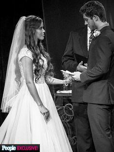 Jessa Duggar and Ben Seewald reveal never-before-seen wedding photos Wedding Photo Albums, Wedding Pics, Wedding Day, Wedding Dresses, Fantasy Wedding, Wedding Stuff, Duggar Family Blog, Jill Duggar, Blush Gown