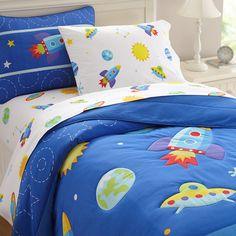 Wildkin Olive Kids Out of This World Comforter Set