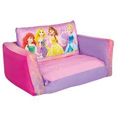 Hoy la siesta toca en un #sofá de #Princesas #Disney