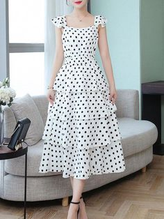 Fantastic maxi dresses are available on our site. Read more and you wont be sorry you did. Stylish Dresses, Casual Dresses, Summer Dresses, Buy Dress, Dress Skirt, Dress Outfits, Fashion Dresses, Dress Shoes, Dress Clothes