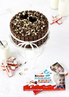 This post contains promotion for kids chocolate. Your face on the chocolate children's pack? Easy Smoothie Recipes, Easy Cake Recipes, Cookie Recipes, Snack Recipes, Kids Chocolate Cake, Homemade Chocolate, Chocolate Party, Torte Au Chocolat, Easy Vanilla Cake Recipe