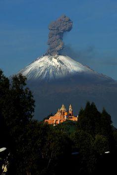 Popocatepetl, el volcán más activo de México.