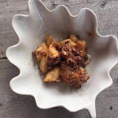 Slow Cooker Hazelnut Apple Bake  #paleo #whole30