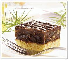 Bakaliowiec to wykwintne ciasto na kruchym spodzie, bogate w bakalie, bardzo smaczne i dość szybkie w przygotowaniu. Warstwa nadzienia nie powinna być zbyt