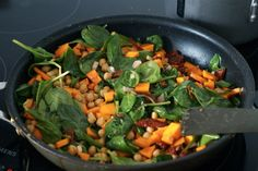 Majspandekager med fyld af kikærter, butternut og andre lækkerier - Julie Bruun Butternut Squash, Mad, Vegetables, Spinach, Vegetable Recipes, Squash, Veggies