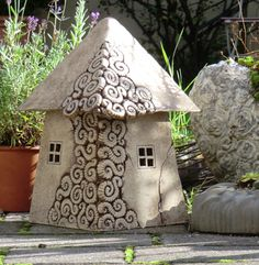 Toad abode - Home Pottery Houses, Slab Pottery, Ceramic Pottery, Clay Fairy House, Fairy Garden Houses, Clay Houses, Ceramic Houses, Ceramics Projects, Clay Projects