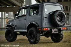Learn more about Lifted & FI Swapped: 1987 Suzuki Samurai Hardtop on Bring a Trailer, the home of the best vintage and classic cars online. Suzuki Jimny, Jeep Suzuki, Suzuki Sj 413, Suzuki Vitara 4x4, Suzuki Cars, Samurai, Royal Enfield Classic 350cc, Jimny Sierra, Ferrari 612