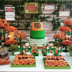 Lego Jurassic Park, The Good Dinosaur, Dinosaur Party, Table Decorations, Birthday Ideas, Dinosaurs, Parties Kids, Cup Cakes, Dinner Table Decorations