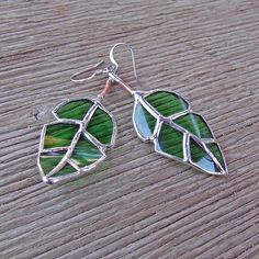 Items similar to Recycled Green Glass - Elm Leaf Earrings - Mother's Day Gift - Mother's Day Jewelry - Eco Friendly Jewelry on Etsy Leaf Jewelry, Glass Jewelry, Diy Jewelry, Jewelry Ideas, Leaf Earrings, Green Earrings, Stained Glass Projects, Tiffany, Recycled Glass