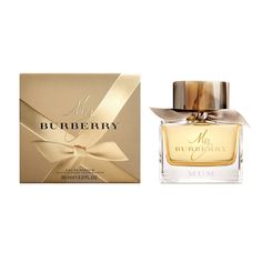 Inspired by the trench coat and its heritage of British design and craftsmanship, My Burberry captures the fragrance of a London garden after the rain. The scent is a contemporary British grand floral and features a delicate heart of rose woven with an unexpected touch of geranium leaf. #Sephora