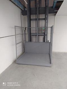 Yüksek kapasitelerde ve ağır sanayi şartlarında hizmet veren katlar arası taşıma, depolama organizasyonlarının yapıldığı alanlarda kullanılır. Sorunsuz ve yüksek performansla çalışabilen hidrolik sistemlerdir.Yük Platformu günümüzde her türlü iç ve dış mekanlarda yüklerimizin taşınması, transfer edilmesi, depolanması ,istiflenmesi gibi bir çok alanda bize yardım eden dayanıklı ve en zor şartlarda çalışabilen hidrolik ve mekanik asansör sistemleridir.Yaklaşık 10 ton yük taşınması yardımcı olur. Stairs, Home Decor, Stairway, Decoration Home, Room Decor, Staircases, Home Interior Design, Ladders, Home Decoration