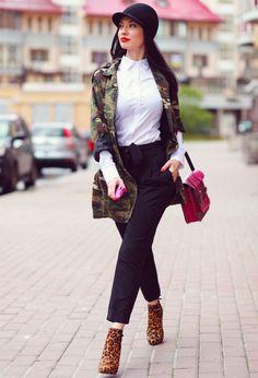 bottine avec veste militaire camouflage Comment porter les bottes et bottines cet automne ? 5 looks sexy à copier