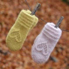 Knit Mittens, Knitted Gloves, Fingerless Gloves, Baby Booties, Baby Shoes, Knitting Projects, Knitting Patterns, Baby Hats Knitting, Winter Beauty