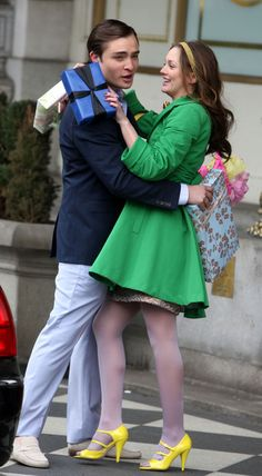Ed and Leighton's colorful kiss                              …