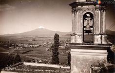 Fotos de Cholula, Puebla, México: Vista de Cholula y el volcán Popocatépetl