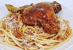Ragout of Beef or Veal with Pasta (Pastitsada ) Pasta Recipes, Chicken Recipes, Cooking Recipes, Healthy Cooking, Healthy Recipes, Healthy Meals, Camping Meals, Everyday Food, Mediterranean Recipes