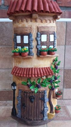 MIL ANUNCIOS.COM - Tejas decoradas. Casa y Jardín tejas decoradas Clay Art Projects, Clay Crafts, Diy And Crafts, Clay Houses, Ceramic Houses, Clay Fairy House, Fairy Houses, Bottle Art, Bottle Crafts