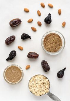 Fig Almond No Bake Energy Bites. A quick healthy snack! Vegan and gluten free