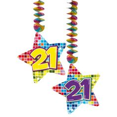 Hangdecoratie sterren 21 jaar. Hangdecoratie in de vorm van sterretjes met het getal 21. De decoratie is verpakt per 2 stuks en is ongeveer 13,3 x 16,5 cm groot.
