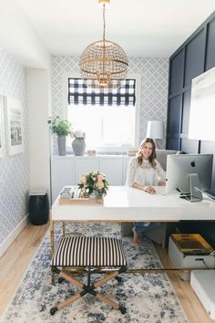 Bright Navy and Blush Home office. Urban Walls Wallpaper - Home Office Design In. - Bright Navy and Blush Home office. Urban Walls Wallpaper – Home Office Design Inspo - Mesa Home Office, Cozy Home Office, Home Office Desks, Home Office Furniture, Furniture Ideas, Office Workspace, Refurbished Furniture, Office Walls, At Home Office Ideas
