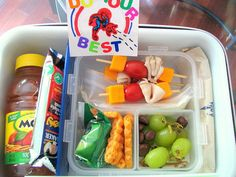 This mom took a picture of her kids lunch every day! I like the kabobs!