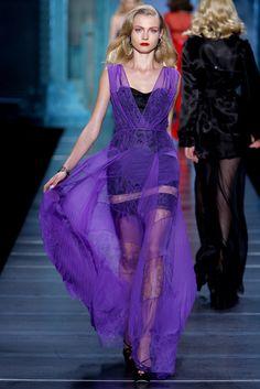 Christian Dior Spring 2010 Ready-to-Wear Collection Photos - Vogue