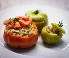 Tomate recheado com couscous e cogumelos Stuffed tomatoes with couscous and mushrooms