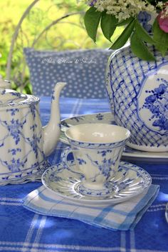 Hello everyone, It is a hot sunny day here so it lovely to have afternoon tea in the terrace where it is shady and cool. Vintage Dishes, Vintage China, Vintage Tea, Blue Dishes, White Dishes, Blue And White Dinnerware, Fine China Dinnerware, Blue And White China, White Decor