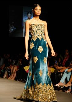 301617b9bc7e PICS  Designer Naeem Khan s first show in India - Rediff Getahead