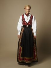 Eva Lie Design AS – Hundreårsdrakten Folk Costume, Costumes, Scandinavian Fashion, Nordic Style, Character Design Inspiration, Art Nouveau, Traditional, Clothes For Women, Female