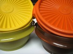 Who still has this set of tupperware?