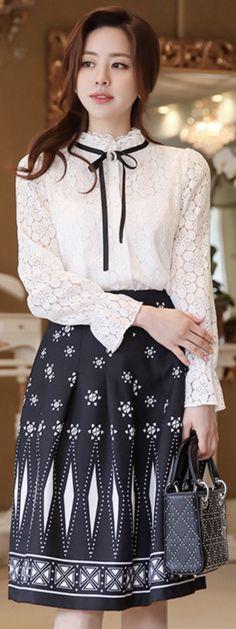 StyleOnme_Antique Style Patterned Flared Skirt #black #patterned #unique #flared #skirt #elegant #koreanfashion #kstyle #kfashion #springtrend #seoul #datelook