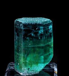 Aquamarine with Heliodor - Pakistan Gem Stones, Stones And Crystals, Vintage Silver Jewelry, Stone Age, Rare Gems, Mineral Stone, Jehovah, Rocks And Minerals, Necklace Designs