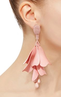Bijoux – Tendance : These Oscar de la Renta earrings feature abstract tiered Perspex petals and a be… Diy Earrings, Leather Earrings, Leather Jewelry, Flower Earrings, Fashion Earrings, Fashion Jewelry, Women Jewelry, Stud Earrings, Diy Statement Earrings